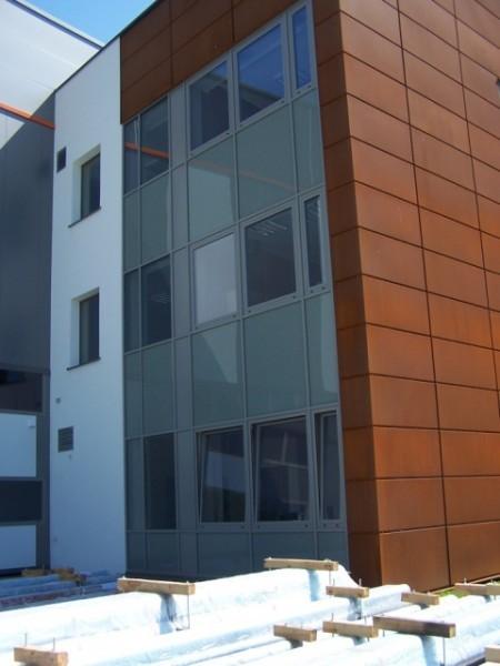 Budynek-hali-produkcyjnej-z-czci-biurow-6